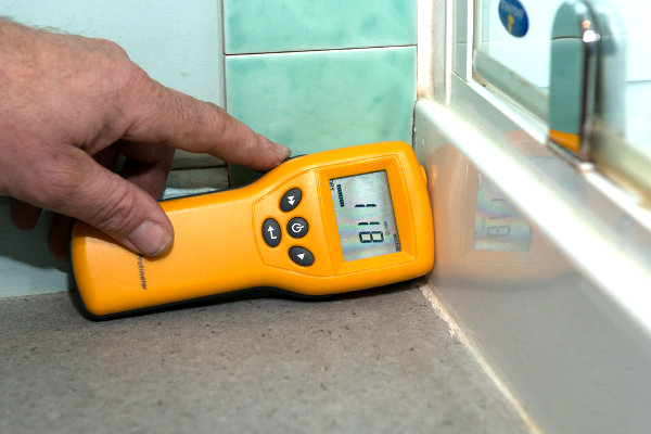 Moisture meter being used in a Nelson home building inspection